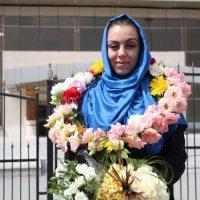 عکس لحظه ورود نرگس کلباسی به اصفهان ایران ۲۳ فروردین ۹۶