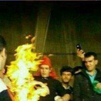 فیلم آتش زدن پرچم پرسپولیس در تبریز با قهرمانی ۲۶ فروردین ۹۶