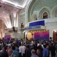 فیلم توهین مجری سخنرانی روحانی به کارگران در روز کارگر ۹۶