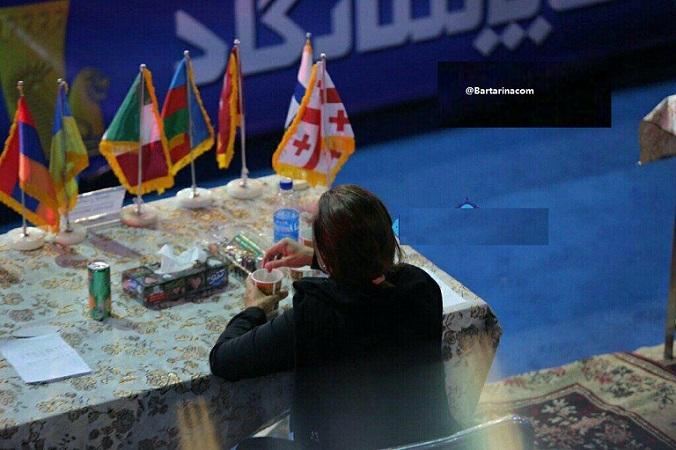 Koshti Bartarina.com  - عکس زن بی حجاب در مسابقات کشتی یادگار امام قم + فیلم
