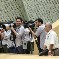 عکس دختر خبرنگار عکاسی که در مجلس خوابش برد سوژه شد