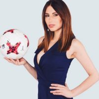 وعده عجیب مجری زن مراسم جام جهانی به سردار آزمون