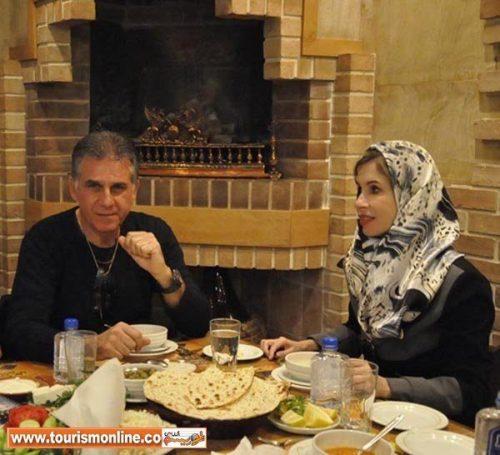 تصویر کارلوس کی روش و همسرش در یک رستوران مجلل